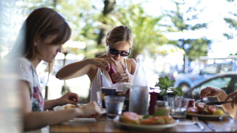 Cafe in Coolangatta, Queensland © Diamir