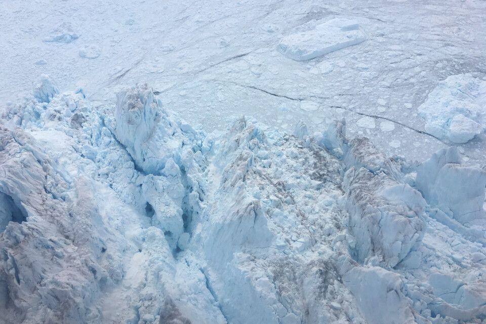 Mit dem Helikopter über den Gletscher