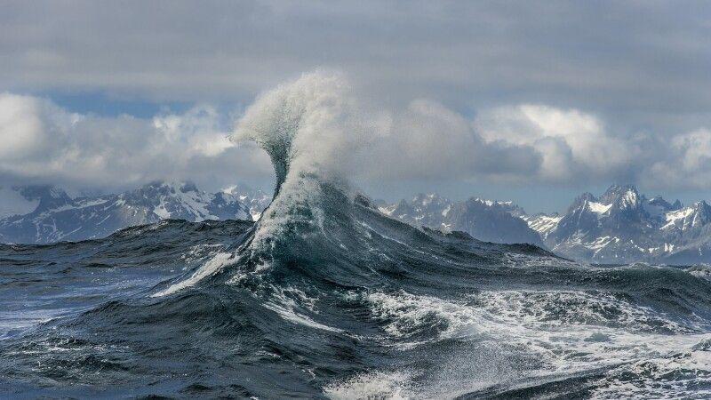 Spektakuläre Welle, Südgeorgien © Diamir
