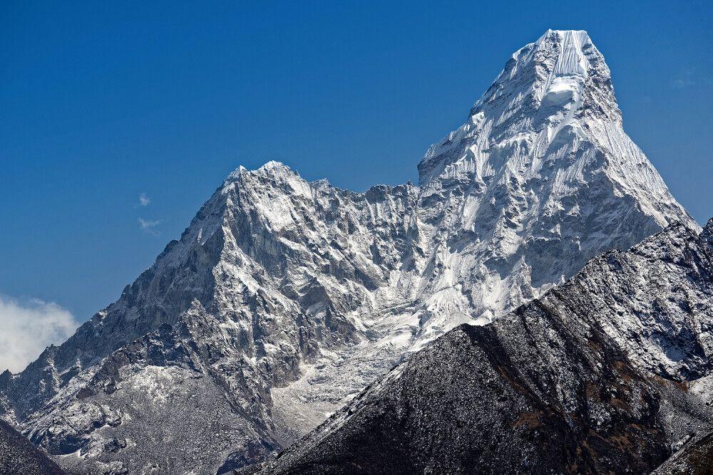 Markanter Doppelgipfel der Ama Dablam (6812m)