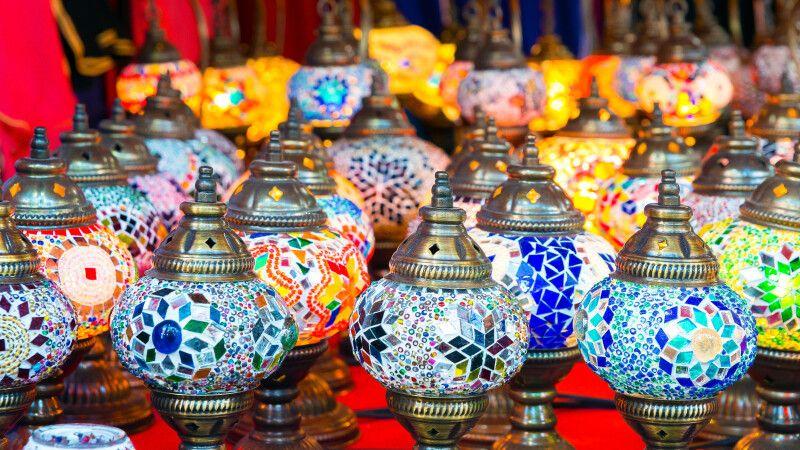 wunderschöne orientalische Öllampen © Diamir