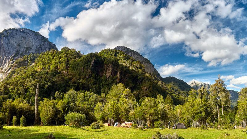 Malerische Landschaft während des Trekkings Termas de Callao © Diamir