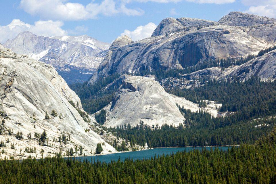 Tuolumne Peaks und Tenaya Lake and der Tioga Road, Yosemite-Nationalpark, Kalifornien