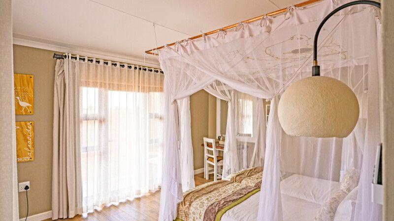 Kalahari Anib Lodge, Zimmerbeispiel © Diamir