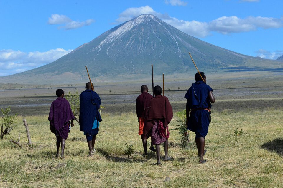 Massai vorm Ol Doinyo Lengai