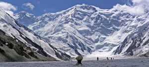 Wanderung Dikij-Gletscher (3900m) – Südinyltschek-Basislager (4100m)