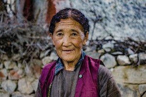 Bewohnerin des Dorfes Tia