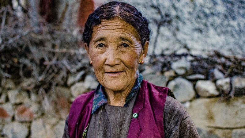 Bewohnerin des Dorfes Tia © Diamir