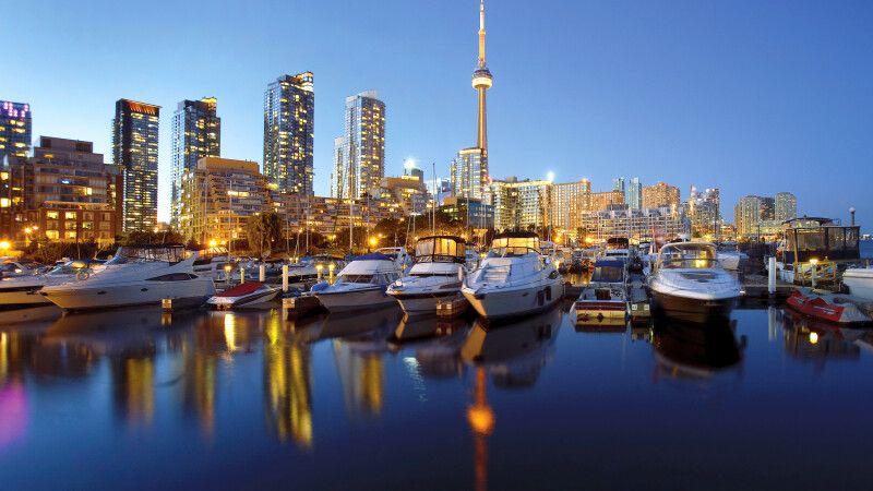 Toronto Skyline in der Dämmerung © Diamir