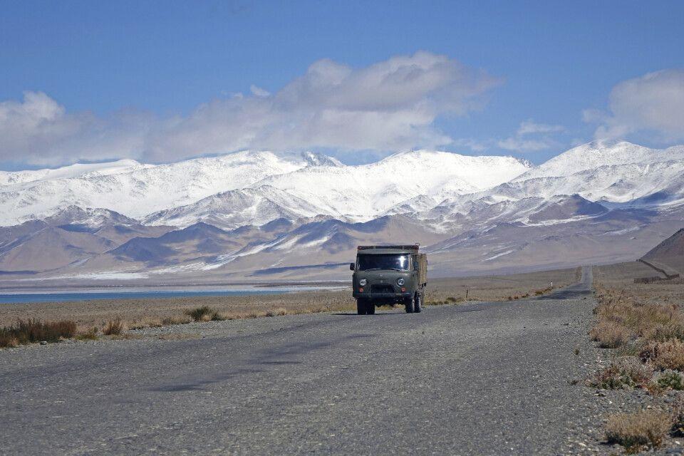 UAZ auf dem Pamir Highway