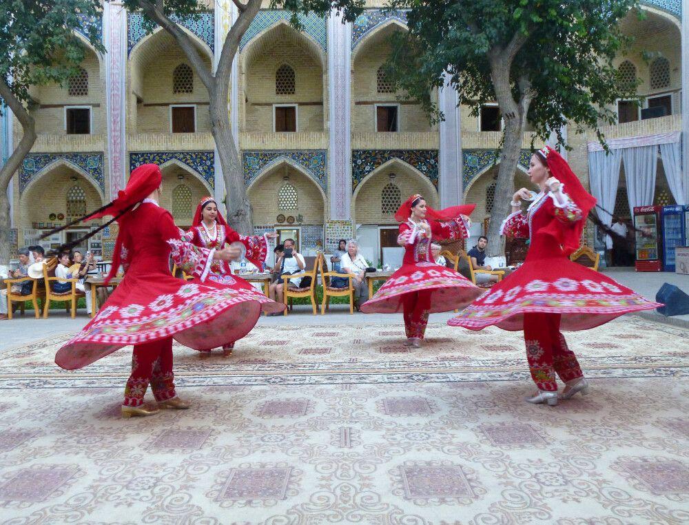 Kulturprogramm Medrese Madir Devon Begi