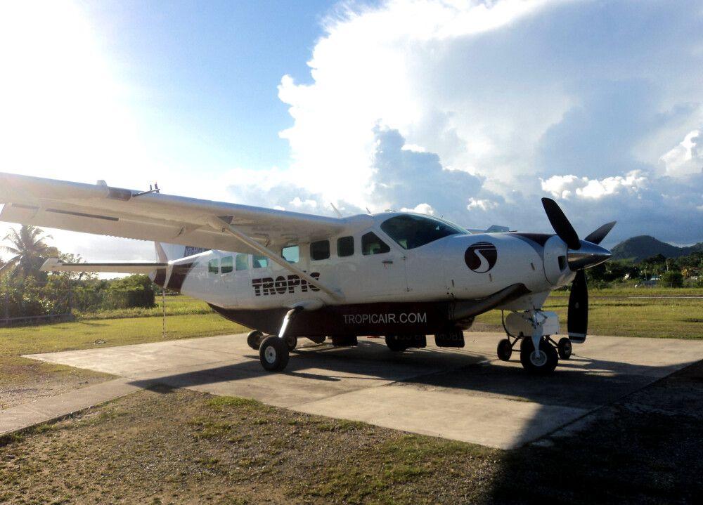 """Die """"Shuttleflieger"""" der Tropic Air bringen euch vom Festland zu den vorgelagerten Koralleninseln."""