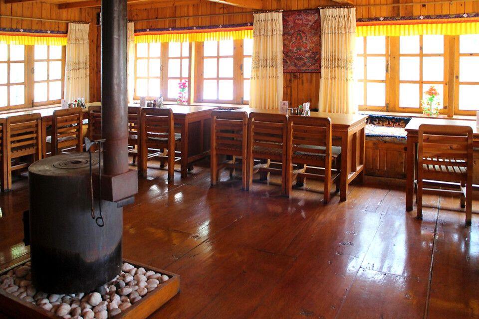 Gemütliche Lodgestube mit Ofen