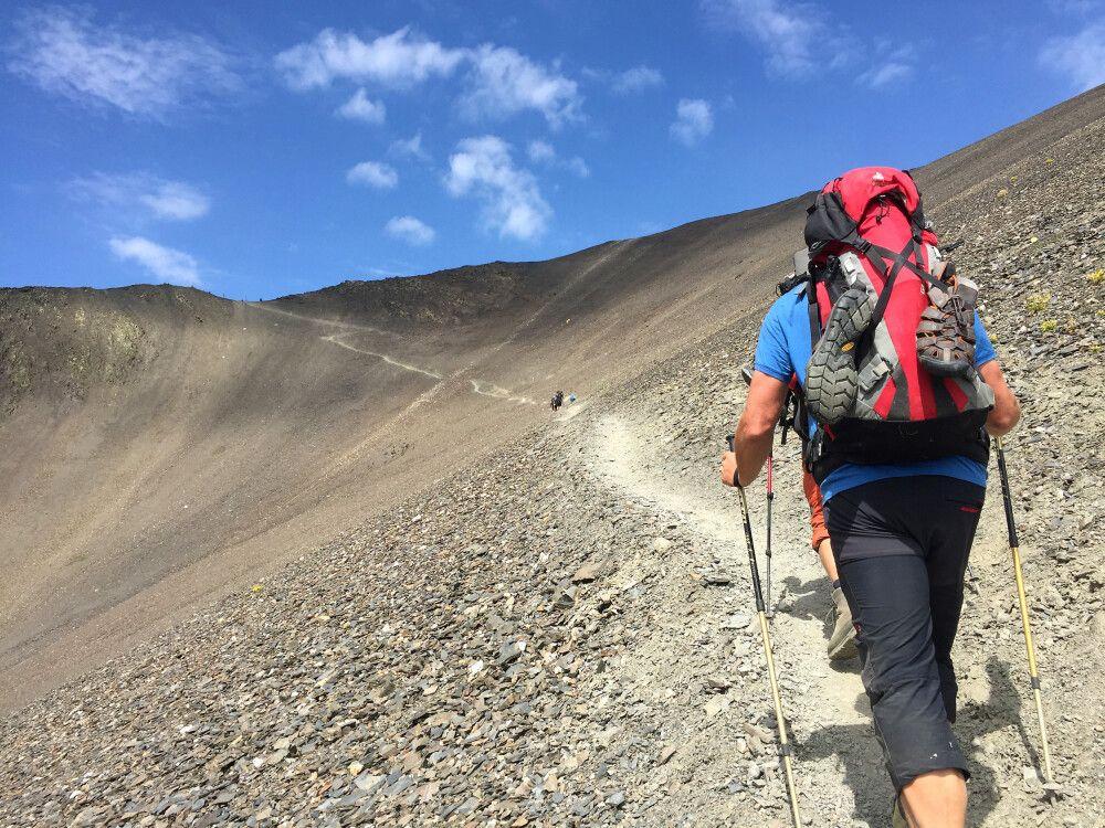 Aufstieg zum Atsunta-Pass