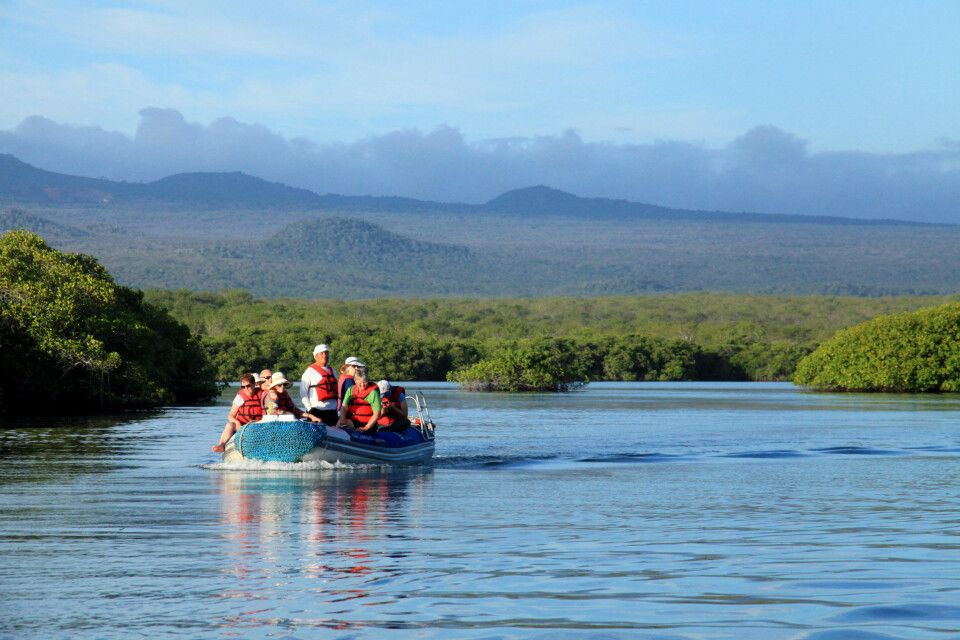 Genießen Sie die Stille und die Landschaft auf dem Boot