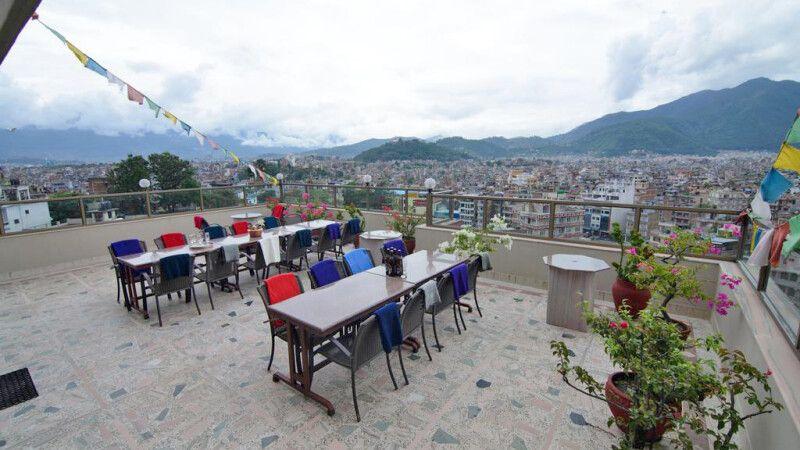 Blick auf Kathmandu von der Dachterrasse © Diamir