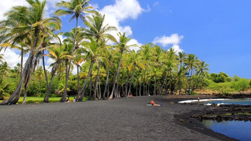 Punaluu Black Sand Beach, Big Island © Diamir