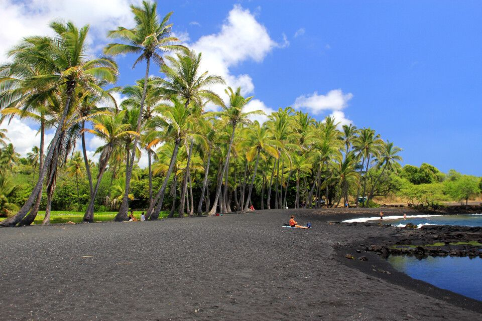 Punaluu Black Sand Beach, Big Island