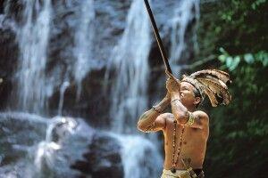 Blasrohrjagd bei den Iban in Borneo