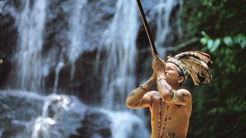 Blasrohrjagd bei den Iban in Borneo © Diamir