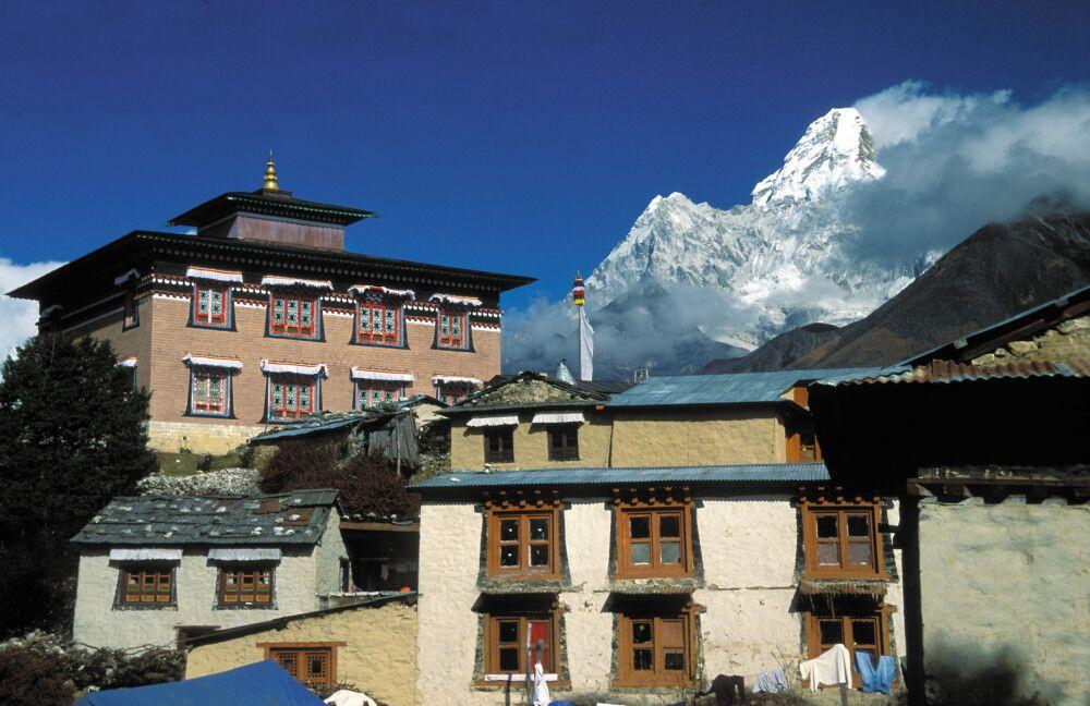 Kloster Tengboche mit Ama Dablam