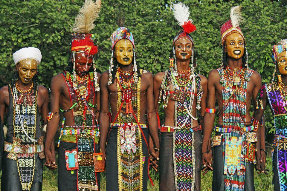 traditionelle Garderobe zum Gerewol-Festival