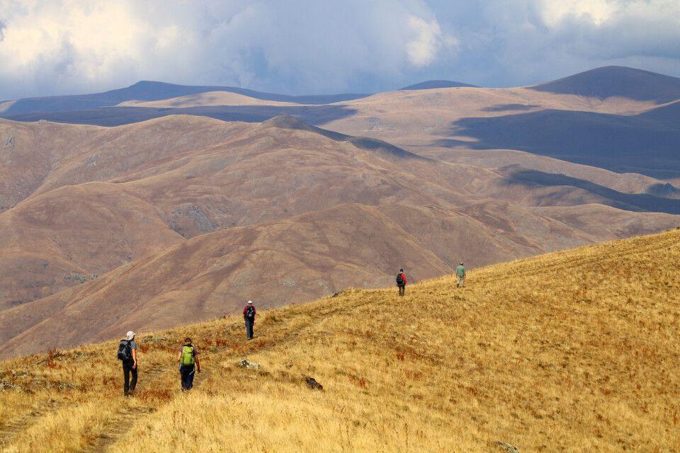 Wanderung am Kraterrand des Vulkans Vayots Sar
