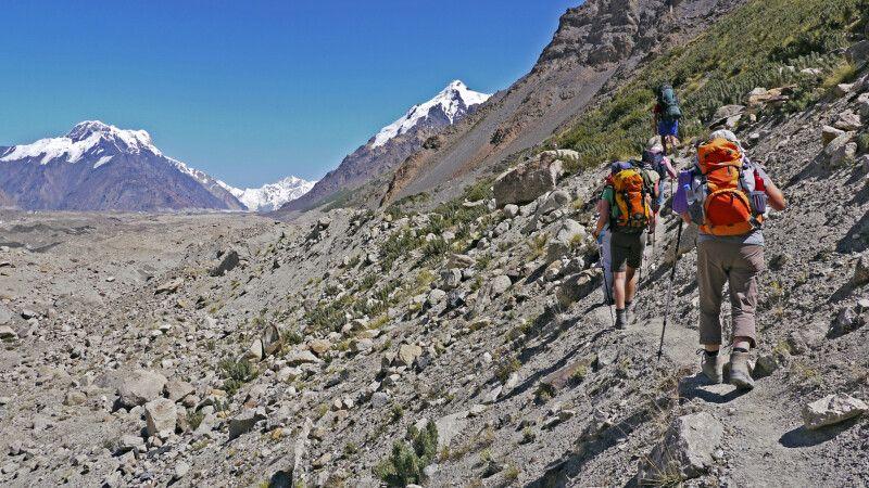 Wanderung Inyltschek-Gletscher (2900m) – Putewodnyi-Gletscher (3100m) © Diamir