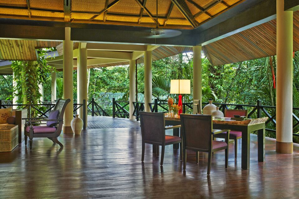 Mulu Marriott Resort & Spa Lobby