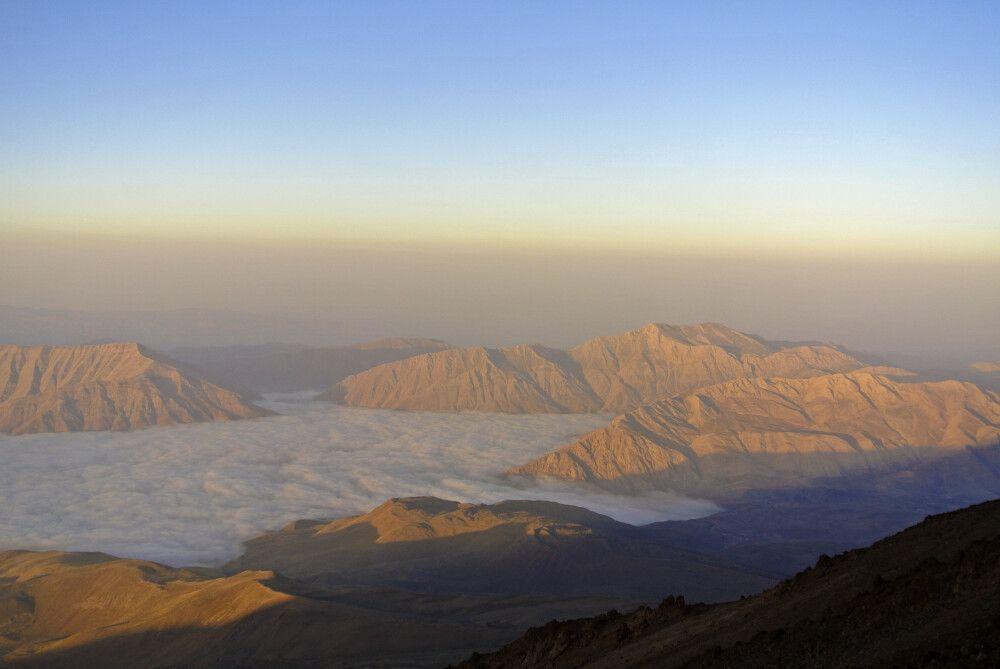 Aussicht ins Wolkenmeer (Expedition Damavand)