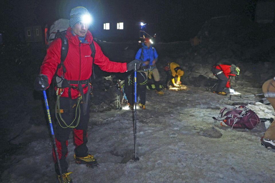 Gipfeltag - Im Dunkeln geht`s los