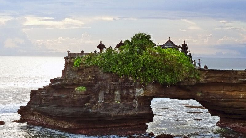 Tempel von Tanah Lot auf Bali © Diamir