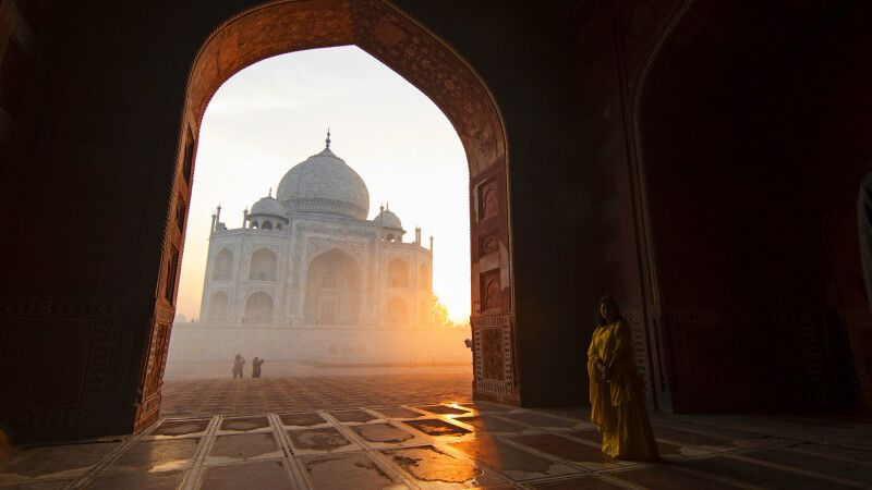 Sonnenaufgang am Taj Mahal in Agra © Diamir