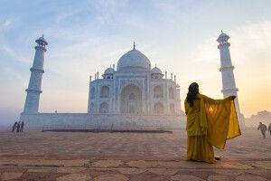 Sonnenaufgang am Taj Mahal in Agra