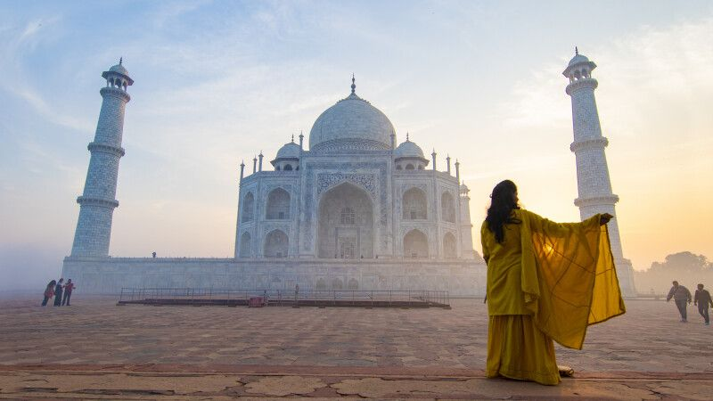 Taj Mahal in Agra © Diamir