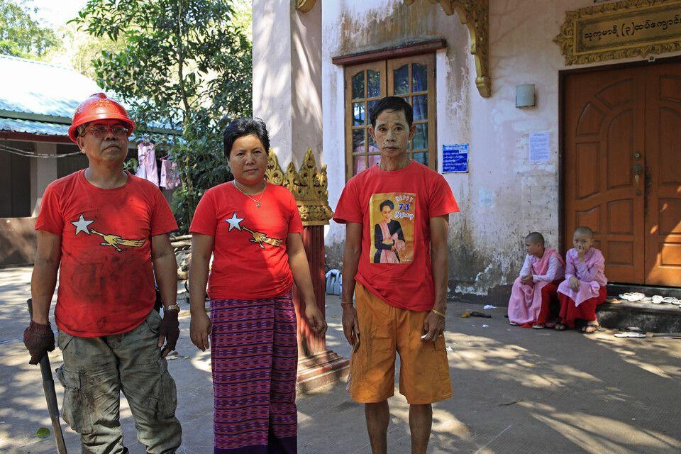 Yangon im Kloster Naga: Freiwillige bei der Hilfe im Nonnenkloster