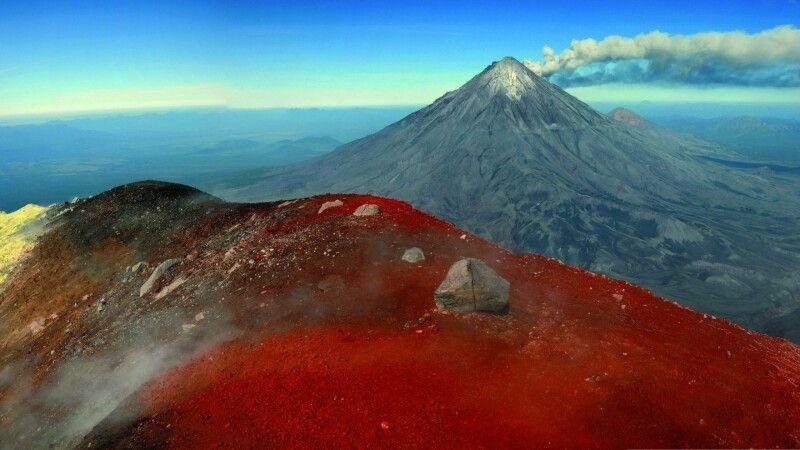 Blick vom Kraterrand des Awatschinskij © Diamir