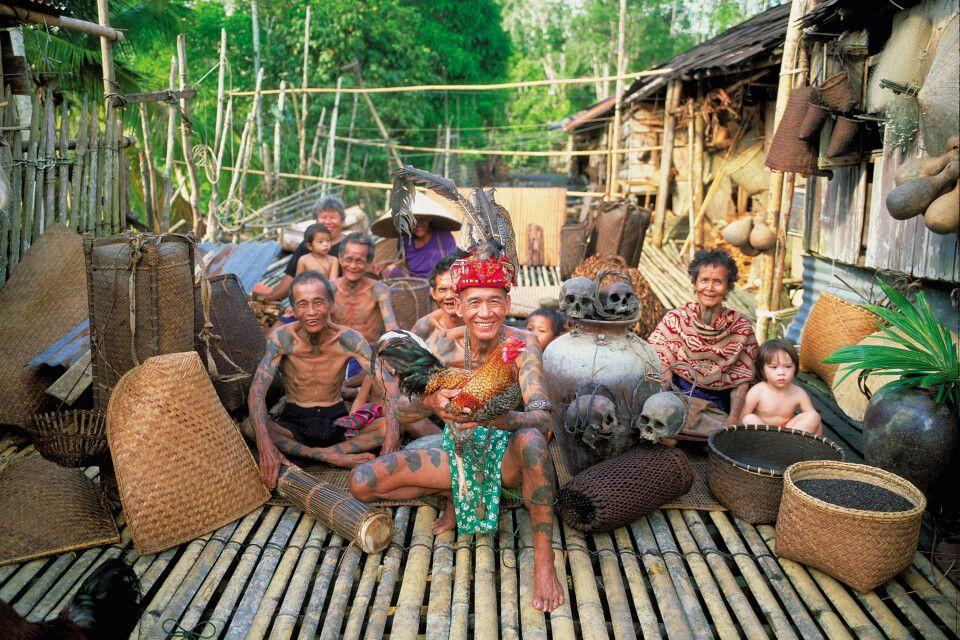 zu Gast bei den Iban im Langhaus in Borneo