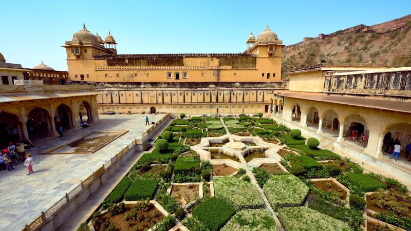 Fort Amber Garten bei Jaipur Goldenes Dreieck © Diamir