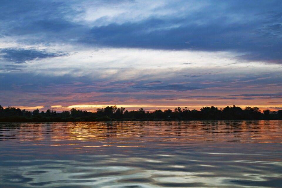 Sonnenuntergang über den Si Phan Don – den 4000 Inseln im Süden von Laos