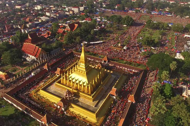 That Luang Festival – Drohnenansicht