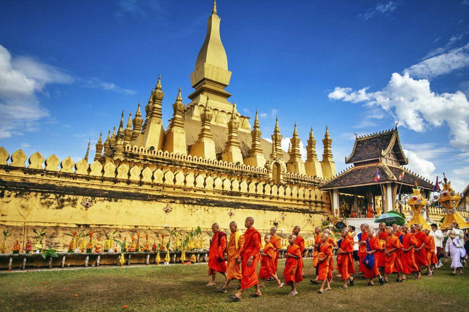 That Luang Festival – Prozession der Mönche