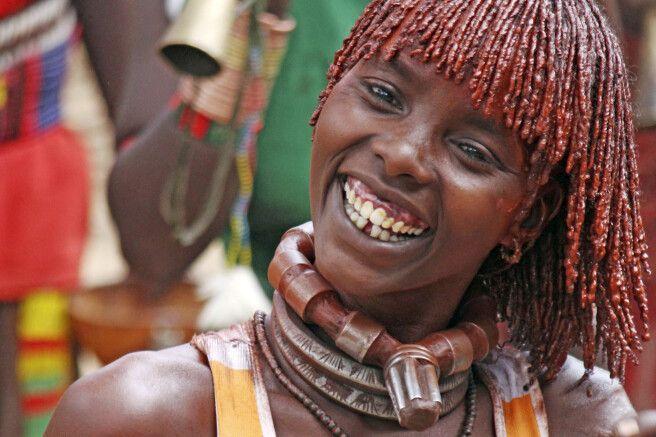 Junge Erstfrau mit Lederhalsring (Hamer)
