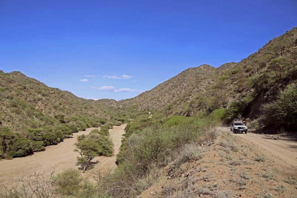 Trockenflusslauf (Shet) auf dem Weg von Turmi nach Weyto