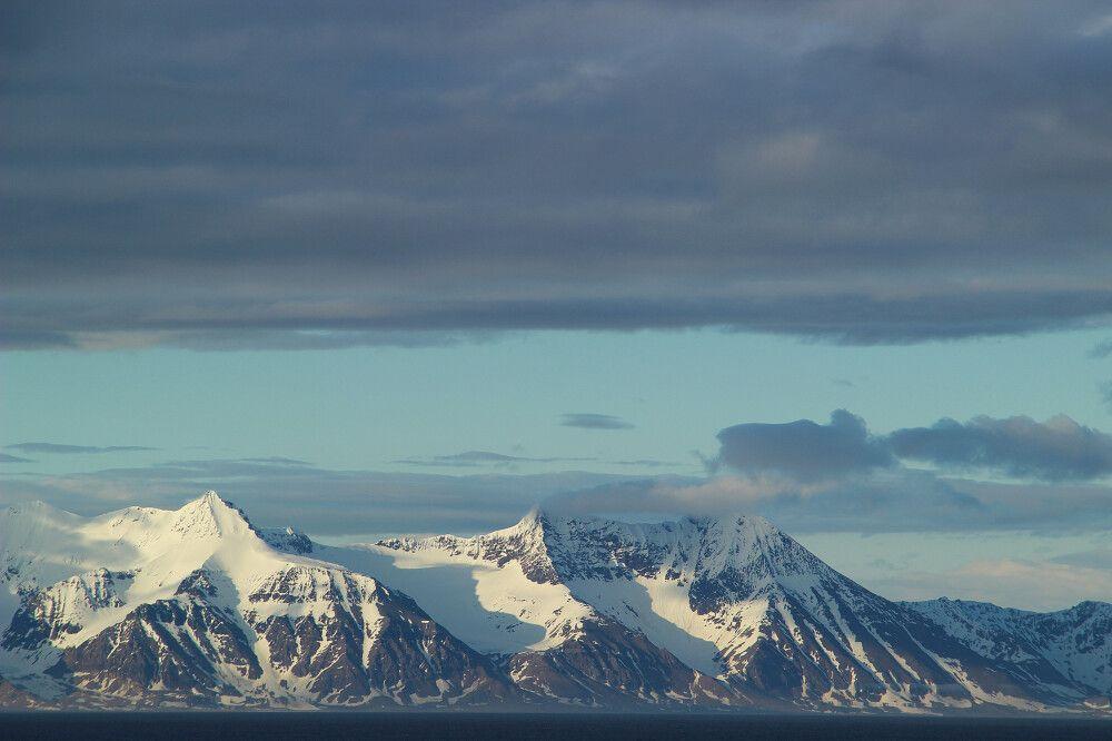 Verschneite Berglandschaft