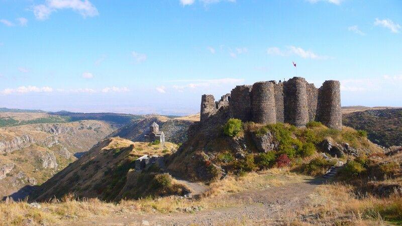 Zerstörte Festung Amberd © Diamir