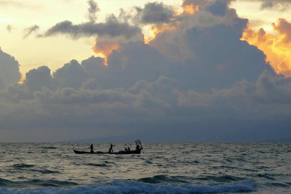 Sonnenuntergang am Meer in Kambodscha