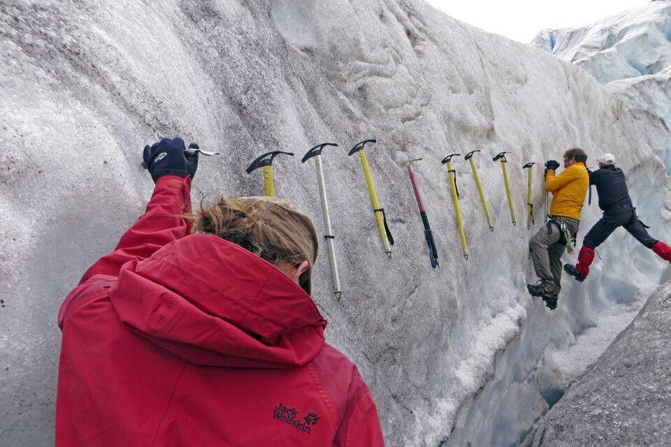 Kletterübung mit dem Eispickel