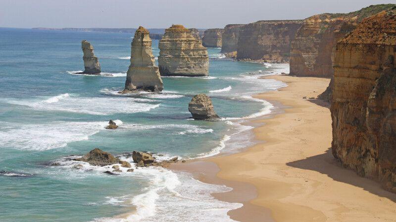 Zwölf Apostel im australischen Bundesstaat Victoria im Port-Campbell-Nationalpark, Great Ocean Road © Diamir
