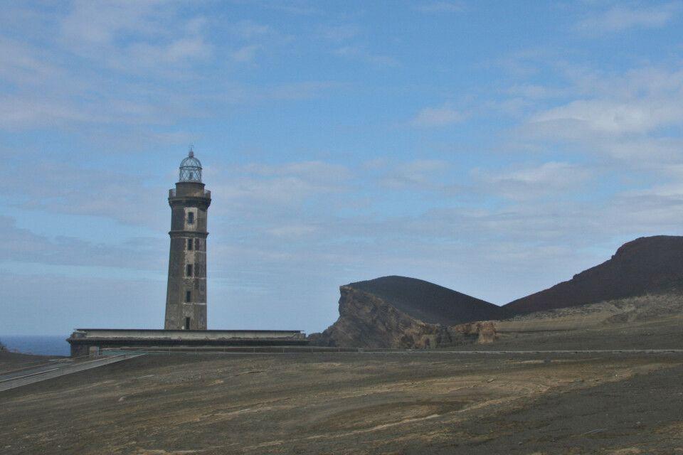 Der Leuchtturm mitten im Neuen Land auf Fajal
